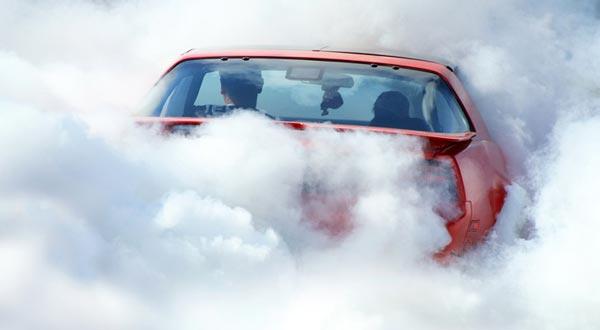 авто в дыму