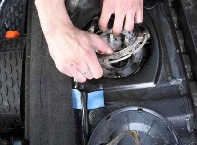 как заменить топливный фильтр chevrolet cruze