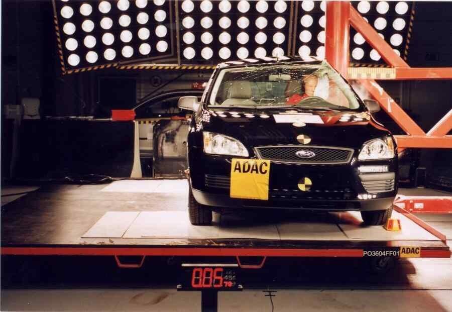 Краш тест Ford Focus 2