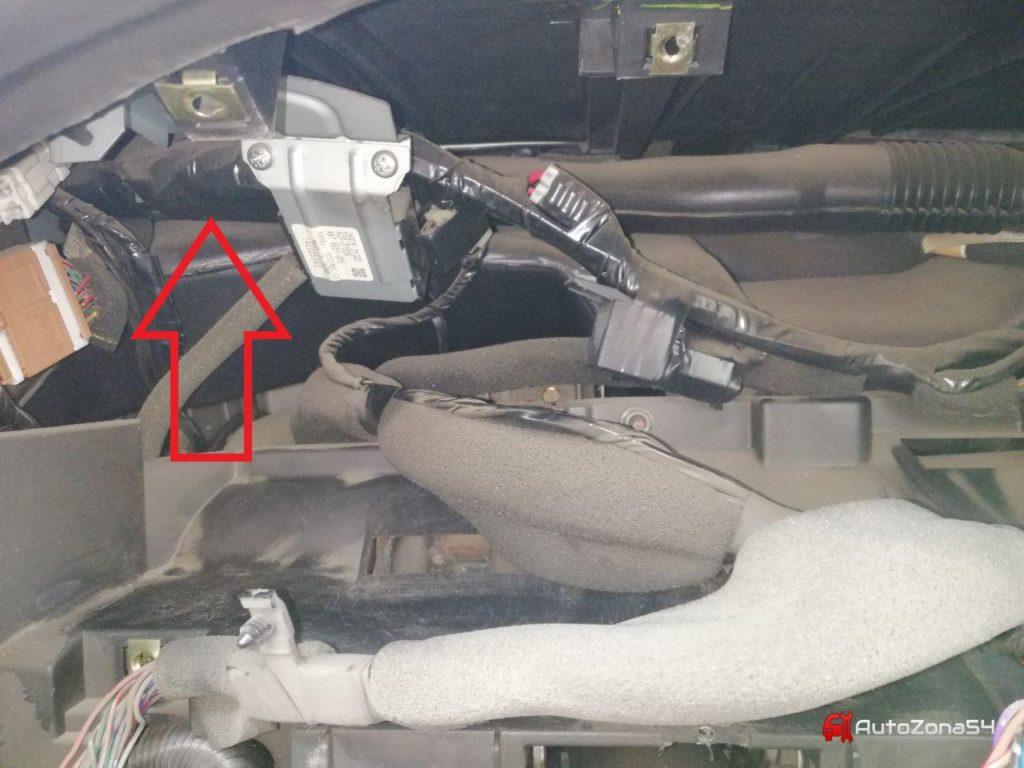 tomahawk 9010 залипшие поворотники